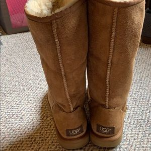 Tall UGG classic teal boots in chestnut size 7